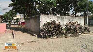 Moradores de Garanhuns reclamam de estação de esgoto com problemas - Segundo moradores, quando chove a água suja invade as casas.