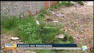 Moradores reclamam de problemas no esgoto em Caruaru - moradores sofrem constantemente com lixo, a falta de capinação e um esgoto estourado.