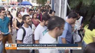 Mais de 2200 candidatos participam de Concurso Público da Prefeitura de Santos - Os salários e a chance de uma carreira pública atraíram profissionais de várias cidades neste domingo (31).