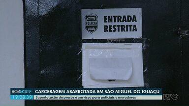 Justiça determina transferência de presos da delegacia de São Miguel do Iguaçu - Treze presos condenados cumprem pena no local.