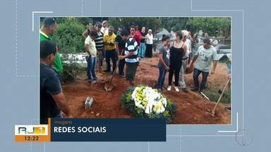 Parentes de idosa precisam abrir cova em cemitério de Petrópolis, no RJ - Situação ocorreu porque local não tinha coveiro.