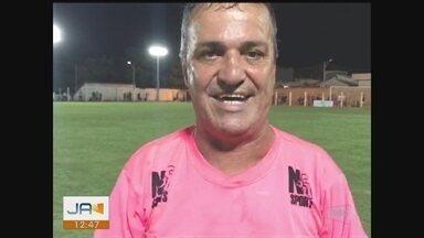 Jogo beneficente reúne craques do futebol em Içara - Jogo beneficente reúne craques do futebol em Içara