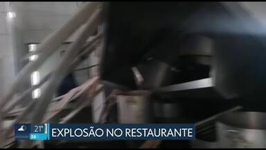 Defesa Civil interdita restaurante comunitário depois de explosão - A explosão de um caldeirão de arroz provocou estragos no restaurante comunitário em Brazlândia. Apesar da interdição, a Defesa Civil descartou riscos de desabamento.