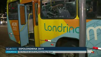 Movimento tranquilo no terminal do Pq. Ney Braga no primeiro de de Expo Londrina - Uma linha foi destinada para levar aos passageiros direto ao Parque, ela passa pelo Terminal da zona Oeste.