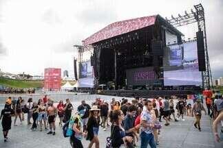Palco do Lollapalooza é esvaziado - Shows foram paralisados após ameaças de raios