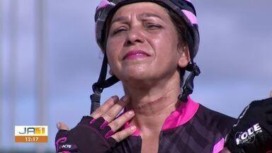 Ciclistas tiveram pescoço cortado ao serem acertadas por linha de pesca durante treino - Ciclistas tiveram pescoço cortado ao serem acertadas por linha de pesca durante treino