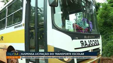 Licitação do transporte escolar rural de Londrina está suspensa - De acordo com o secretário de gestão, a licitação do transporte escolar rural foi suspensa para um ajuste na planilha de custos, mas os contratos atuais foram prorrogados para evitar problemas.