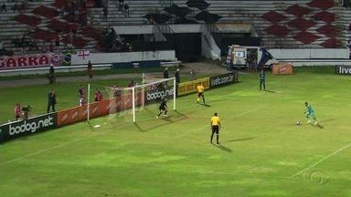 CRB empata com o Santa Cruz e é eliminado da Copa do Nordeste - Galo estava comemorando a classificação até os 47 do segundo tempo, mas o time pernambucano fez o gol do empate.
