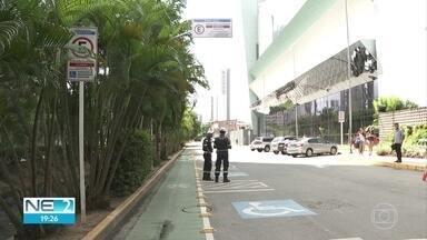 Bairro de Casa Forte ganha 61 vagas de estacionamento Zona Azul no Recife - Antes, era proibido estacionar na Rua Doutor João Santos Filho.