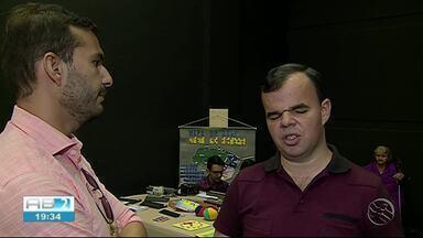 Braile ajuda pessoas com baixa visão ou que não enxergam - Acace realizou exposição em Caruaru