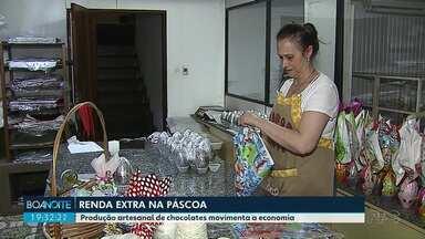 Produção artesanal de chocolates movimenta a economia antes da Páscoa em PG - Período tem oportunidade de renda extra.