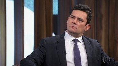 Sérgio Moro revela que, na infância, não pensava em ser juiz - O ministro afirma gostar de ler biografias para relaxar e também citou razões que o fizeram seguir carreira jurídica