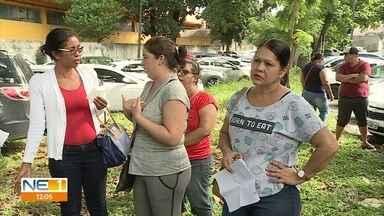 Mulheres sofrem para conseguir atendimento ginecológico no Hospital Barão de Lucena - Algumas pacientes passaram a noite na unidade, no bairro da Iputinga, na Zona Oeste do Recife
