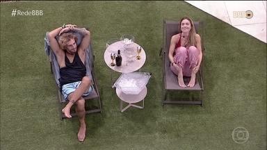 Alan e Paula relembram seus momentos dentro da casa - Confira como foram as primeiras horas dos dois sozinhos na casa