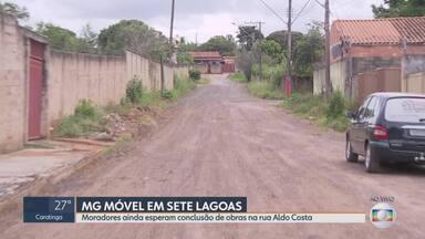 MG Móvel volta pela quinta vez a Sete Lagoas - Moradores da rua Aldo Costa ainda aguardam por uma solução definitiva para os problemas de asfaltamento e esgoto no local.