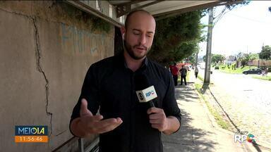 Passageiros de São José dos Pinhais reclamam da falta de integração em linhas da cidade - O repórter Tarcísio Silveira embarca em um dos ônibus com o secretário municipal de transportes.
