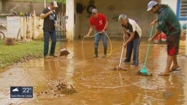 Moradores de Muzambinho e Guaxupé contabilizam prejuízos após alagamentos - Moradores de Muzambinho e Guaxupé contabilizam prejuízos após alagamentos