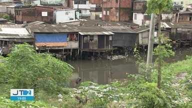 Santos e São Vicente estão quase unidas pelo mangue - As invasões frequentes são alvo de reclamações dos moradores.