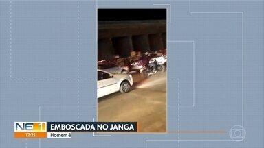 Homem é morto em emboscada e irmão fica ferido na frente da família, no Janga - Eles estavam em um carro e foram abordados por dois homens