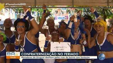 Grupos brincam em 'babas' de saia na Sexta-feira Santa em Salvador - As inciativas já duram anos; veja na reportagem.