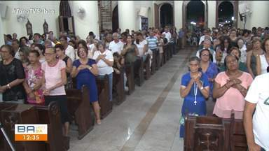 Missa e procissão reúnem milhares de devotos em Feira de Santana - As celebrações recordam a prisão de Jesus Cristo.