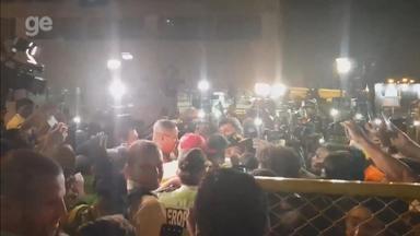 Com grande festa para Paolo Guerrero, Internacional desembarca no Peru - Assista ao vídeo.