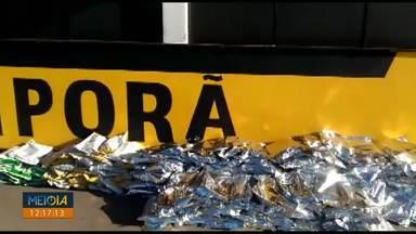 Polícia apreende carro com 340 kg de agrotóxicos na PR-323 - A apreensão numa fiscalização de rotina no posto da polícia rodoviária estadual de Iporã, quando tentaram parar uma picape.