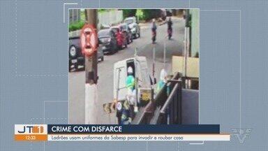 Ladrões usam uniformes da Sabesp para invadir e roubar casa em São Vicente - Bandidos roubaram uma família na cidade, depois de entrar em uma casa, em frente à Estação Emmerich, do VLT.