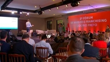 Empresários se reúnem para falar de novas tecnologias em Rio Preto - Empresários da região toda se reuniram nesta terça-feira (23) para um encontro do 'Lide', o grupo de líderes empresariais. O objetivo, falar das novas tecnologias, que podem ser muito bem empregadas em qualquer ramo de negócio.