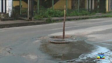 Moradores denunciam falta de infraestrutura no bairro Parque Timbira em São Luís - Segundo os moradores que residem na localidade, um esgoto estourado está incomodando quem passa pelo local por conta do mau cheiro.