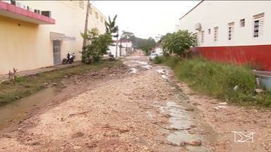 Motoristas reclamam de falta de infraestrutura no bairro Maranhão Novo em Imperatriz - Segundo os condutores de veículos, é que sem manutenção e depois das chuvas a vias estão praticamente intrafegáveis.