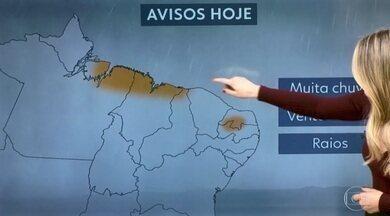 Previsão de chuva para quase todo o país e risco de temporal no Nordeste - A chuva aperta mais do Maranhão até a divisa com o Ceará e no interior do Rio Grande do Norte e da Paraíba. No Sudeste o sol aparece mas pode chover à tarde em quase toda a região. No Sul, uma frente fria vai provocar a chuva no centro-sul gaúcho.