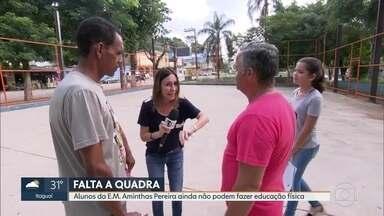 O RJ Móvel foi a Nova Iguaçu, nessa quarta-feira - 5ª visita a escola municipal Aminthas Pereira. Parte da reforma pedida pelos pais de alunos já foi feita, mas ainda falta a quadra de esportes