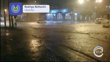 Chuva causa alagamentos em Ubatuba - Registros foram enviados pelo aplicativo Vanguarda Repórter.