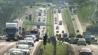 Tem Notícias mostra tráfego intenso na Rodovia Dom Gabriel Paulino Couto - Equipes de reportagem do Tem Notícias mostram o tráfego intenso na Rodovia Dom Gabriel Paulino Bueno Couto, no trecho que liga Jundiaí e Itu.