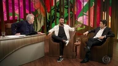 Programa de 24/04/2019 - O Conversa com Bial desta quarta-feira, 24/4, está recheado de boas risadas com o comediante Gustavo Mendes e o sertanejo Thiago Brava