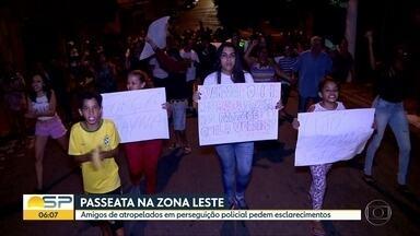 Passeata cobra esclarecimento sobre morte de menino durante perseguição policial - Amigos de Thayana dos Santos Silva protestaram na zona leste da capital. O filho dela, Leandro, de cinco anos, morreu.