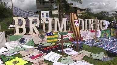 Emoção e protestos marcam homenagens às vítimas de Brumadinho 3 meses depois da tragédia - Há três meses a cidade vivia uma das maiores tragédias ambientais da história. Duzentas e trinta e três pessoas morreram e outras 37 ainda estão desaparecidas.