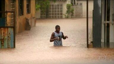 Mais um ciclone destruidor atinge Moçambique - A ONU revelou que o ciclone Keneth pode causar o dobro da chuva que veio com o ciclone Idai, que matou mais de 900 pessoas no sul da África.
