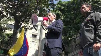 Juan Guaidó convoca população a voltar às ruas nesta quarta (1º) - Os protestos estavam originalmente marcados para esta quarta (1º), mas o autoproclamado presidente da república Juan Guaidó foi alertado para o risco de ser preso e antecipou os protestos. Manifestantes atenderam o chamado, saíram às ruas.