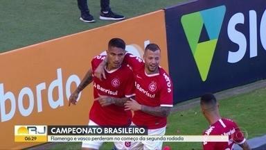 Fla e Vasco perdem no Brasileirão - Rubro-negro falhou na defesa e não resistiu ao Inter, em Porto Alegre, No Rio, vascaínos foram derrotados pelo Atlético-MG.