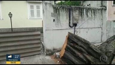 Moradores estão desde domingo sem energia elétrica em Maria da Graça - Defensoria pediu que Light monte gabinete de crise pra resolver todas as pendências. Concessionária disse que já fez isso.