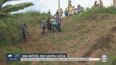 MG Móvel mostra situação dos moradores da rua São Paulo, em Santa Luzia - Moradores dizem que a rua é uma das únicas do bairro sem asfalto. Eles pedem ainda a construção de uma escadaria em um barranco que fica no fim da rua.
