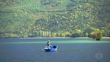 Com dois milhões de anos, lago Ohrid, na Macedônia do Norte, é o mais antigo da Europa - Ele é considerado uma das reservas biológicas mais importantes do mundo. Mais de 200 espécies que não existem em nenhum outro lugar do mundo vivem no lago.