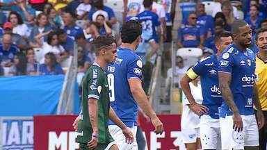 Cruzeiro vence o Goiás no Mineirão, mas Fred fica devendo no ataque - Atacante ainda não balançou as redes para a Raposa no Campeonato Brasileiro