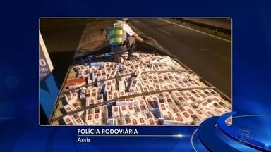 Polícia Rodoviária apreende 800 caixas de cigarros contrabandeados - A Polícia Rodoviária apreendeu neste fim de semana, em Assis, 800 caixas de cigarros contrabandeados do Paraguai. A apreensão aconteceu na Rodovia Raposo Tavares e a ocorrência foi registrada em Marília.