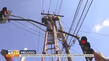 """Cemig faz operação de combate aos """"gatos"""" na rede de energia - Ligações clandestinas geram um prejuízo anual de R$450 milhões."""