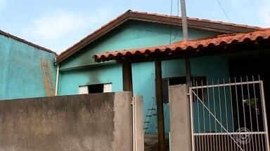 Equipamento eletrônico pode ter causado incêndio em casa de Várzea Paulista - Um equipamento eletrônico pode ter causado um incêndio em uma casa em Várzea Paulista (SP), na terça-feira (7). Uma idosa, moradora da casa, precisou de atendimento médico.