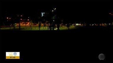 População reclama de escuridão em academia no Parque do Povo - Equipe do Bom Dia Fronteira foi conferir a situação.