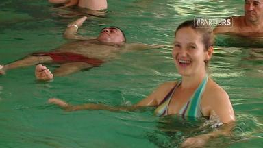 Partiu RS visita parque com águas termais em Machadinho - Com chimarrão na mão, famílias curtem as piscinas de água quente no interior do RS.